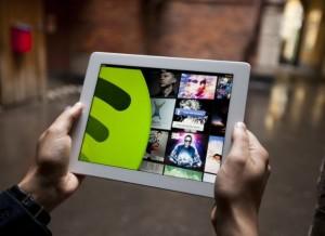 Enero de cambios en televisión, Spotify y WhatsApp