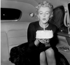 Una hambrienta Marilyn Monroe cantará