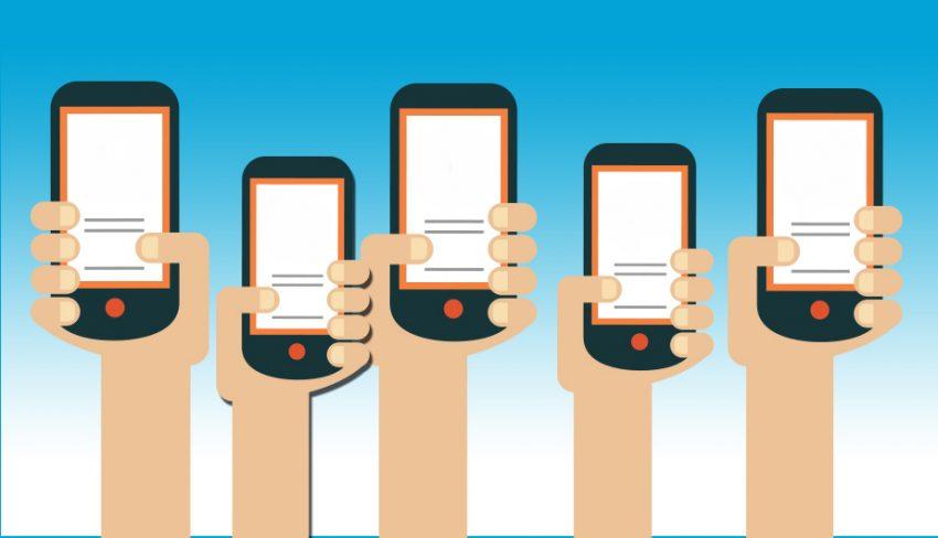Palabra de Facebook: los millennials gestionan sus finanzas con el móvil