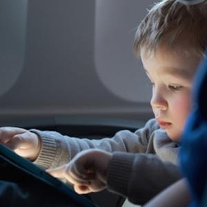 niño con tablet2