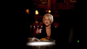 Budweiser y Helen Mirren se alían en la Super Bowl para luchar contra el alcohol al volante