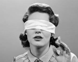 Marketeros, es hora de quitarse la venda de los ojos: el problema no son los ad blockers