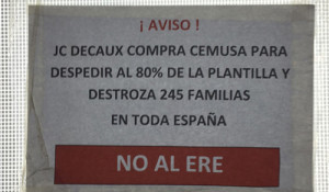 Los empleados de Cemusa en huelga por el despido de 245 trabajadores