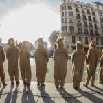 """Madrid y Barcelona se llenan de canguros en esta """"saltarina"""" campaña de Deliveroo"""