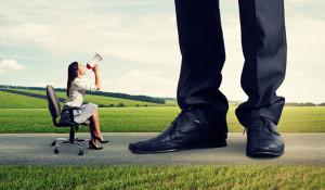 Estos 5 casos de sexismo muestran el reto de ser mujer en la industria marketera