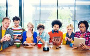 El móvil pone contra las cuerdas a la TV en la guerra por la atención de los millennials