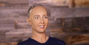 Así es Sophia, una inquietante robot que gesticula y habla