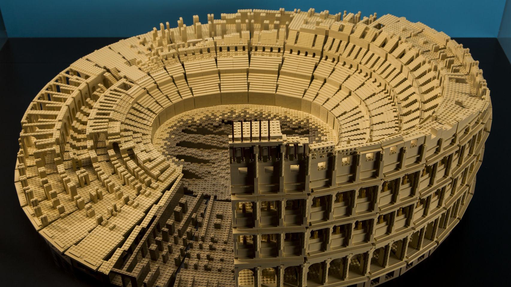 Espectacular-Coliseo-Roma-plastico_114748944_3287039_1706x960