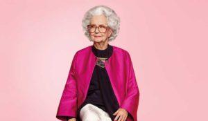 La Biblia de la moda, Vogue, celebra sus 100 años con un original anuncio de Harvey Nichols