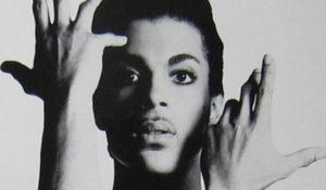 Las marcas homenajean a Prince de las formas más originales (y púrpuras) posibles