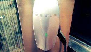 Tesla coge carrerilla en Europa con más de 150 estaciones de carga