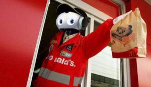 Los robots, el complemento (y no sustituto) de los trabajadores de McDonald's
