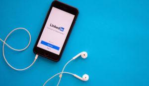 LinkedIn actualiza su versión app incluyendo búsquedas por temas, hashtags o artículos