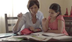 P&G y Aldeas Infantiles SOS reconocen el papel de las madres en la campaña