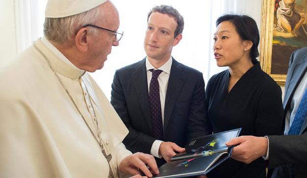 Mark Zuckerberg presenta Aquila al Papa en un encuentro