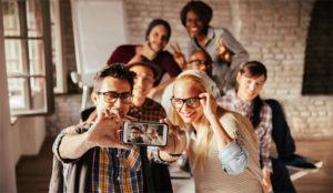 Público millennial, la obsesión de toda cadena de televisión