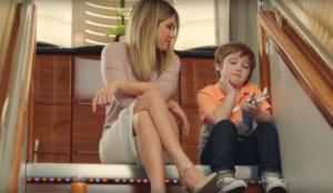 Emirates y Jennifer Aniston se embarcan en un nuevo viaje publicitario