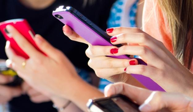 Las orgías consumistas vía app son más frecuentes en las mujeres que en los hombres
