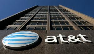 Información personal por un millón de dólares: así es el turbio negocio de AT&T con EE.UU.