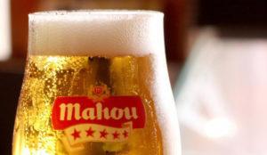 Mahou se rebela contra el parecido razonable de su logo y el de En Marea