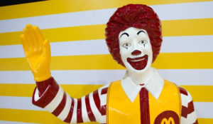 McDonald's se despide de su icónico representante tras la ola de payasos tenebrosos