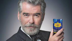 Pierce Brosnan se disculpa por anunciar productos potencialmente cancerígenos