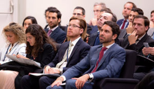 IE Business School organiza la mesa redonda