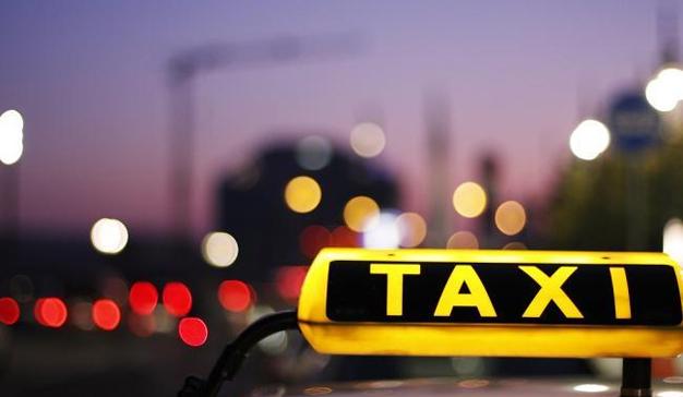 Los taxistas crearán una app propia para competir contra Uber y mytaxi