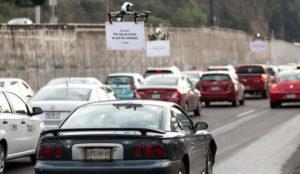 Uber se burla de los conductores con una horda de drones