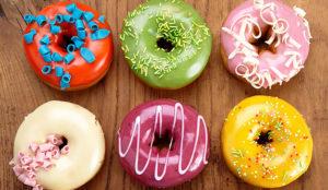 Esta campaña muestra la divertida reacción de la gente ante una deliciosa caja de donuts