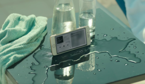 Apple destaca la resistencia al agua del iPhone 7 a ritmo de pasodoble