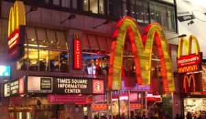 McDonald's renueva su identidad en EE.UU. y llevará todos los pedidos a las mesas en 2017