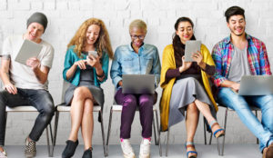 Los millennials invierten el 70% de su tiempo en el móvil y 5 horas al día conectados