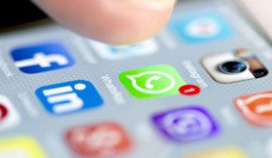WhatsApp le abre las puertas a los GIFs en iOS