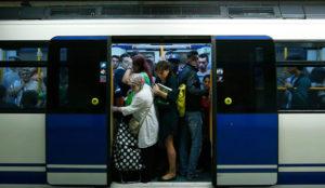 Twitter se cuela en el metro de Madrid