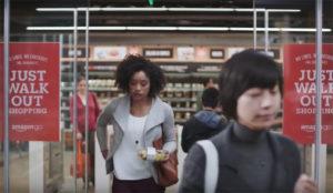 Amazon abre su primer supermercado físico, donde no hay ni cajas (ni colas para pagar)