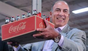 Muhtar Kent, CEO de Coca-Cola, se apeará de su cargo el próximo mes de mayo