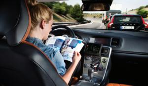 Nueve de cada diez conductores piden más formación tecnológica para manejar su coche