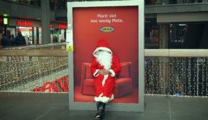 ¿Agotado de las compras navideñas? Siéntese en este comodísimo anuncio de IKEA