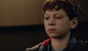 Mercedes-Benz salva (por los pelos) la primera cita del joven protagonista de este spot