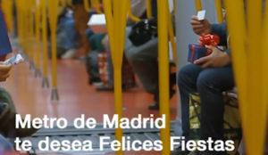 Metro de Madrid celebra la Navidad con regalos sorpresa para sus usuarios más madrugadores