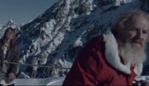 Papá Noel secuestra a una mujer y le da una lección en el spot navideño más inquietante