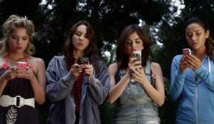 Más del 70% de las españolas comprará alguno de sus regalos de Navidad a través del móvil