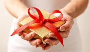Los españoles, los europeos que más devuelven sus regalos navideños