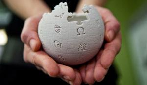 Jimmy Wales, fundador de Wikipedia, desmiente que la enciclopedia nunca emitiría anuncios
