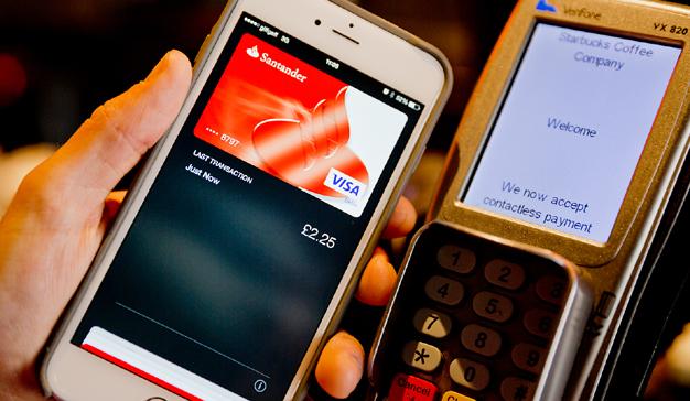 ¿Negocio o marketing? Santander es la única con Apple Pay a pesar de sus elevados costes