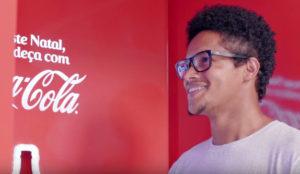 Coca-Cola redefine el concepto de las máquinas expendedoras en su nuevo invento para regalar