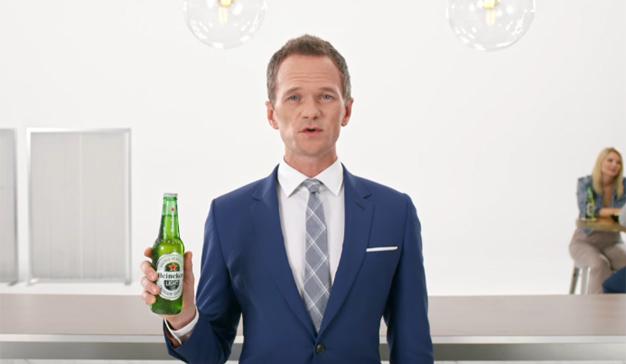 Heineken apuesta (una vez más) por el humor de Neil Patrick Harris para su versión light