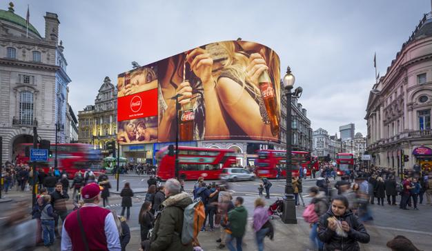 Las luces de Piccadilly Circus se apagan para resurgir digitalizadas