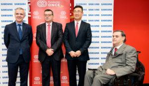 Samsung y Fundación ONCE firman un convenio para favorecer la inclusión de las personas con discapacidad